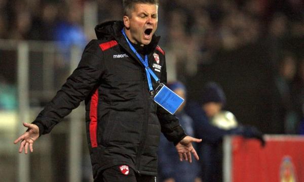 Dusan Uhrin a anunţat că Dinamo va mai aduce un atacant