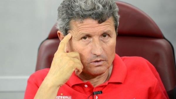 Mulțescu, un antrenor